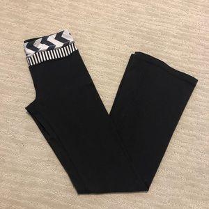 Lululemon athletic yoga pants black gray size 4